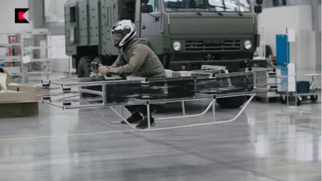 Fabricantes del AK-47 presentan una moto que vuela