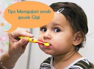 7 Cara Mengajari Anak Menggosok Gigi yang Benar