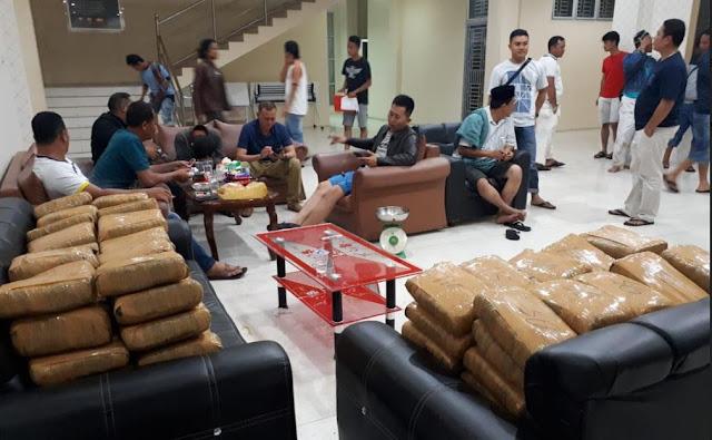Bawa 130 Kg Ganja Pakai Mobil Patroli, Dua Oknum Polisi Ditangkap
