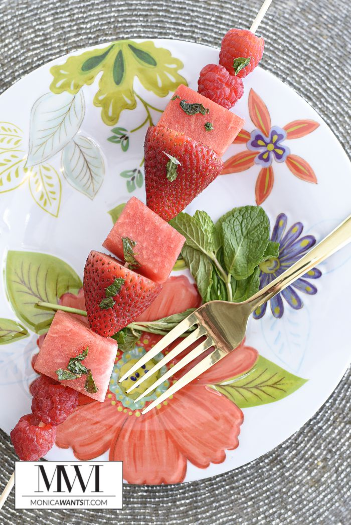 This non-alcoholic mojito lime fruit skewer recipe is zero (0) Weight Watchers SmartPoints, delicious, healthy and perfect for summer entertaining. A tasty dessert that everyone will love.