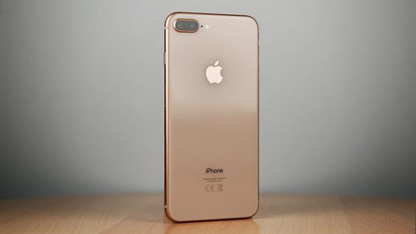 هاتف آيفون 8 بلس الأفضل على مستوى جودة الكاميرا ويتفوق على جميع الهواتف المنافسة