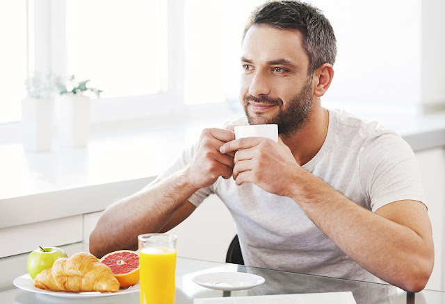 fotos de personas comiendo