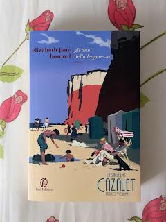 Cazalet Gli anni della leggerezza Elizabeth Jane Howard Recensione Felice con un libro