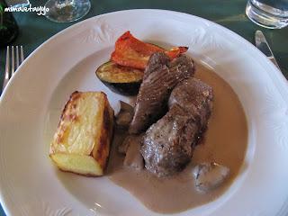 Cena en el restaurante del Hotel Hekla