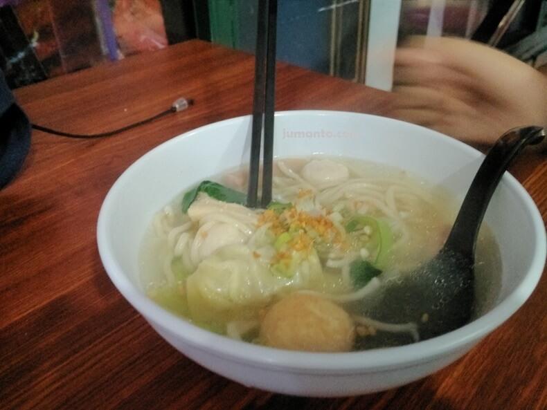 makan chicken soup bowl di mbk lampung