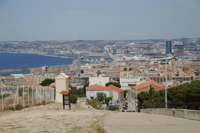 Marseille Sehenswürdigkeiten Notre Dame Großstadt Frankreich Ausblick Sommerurlaub Reisen