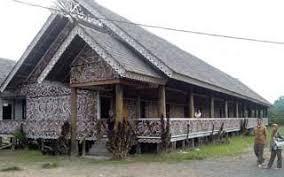 Keunikan-Rumah-Adat-Kalimantan-Timur-rumah-lamin