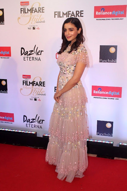 Alia Bhatt Stills at Filmfare Glamour And Style Awards 2017