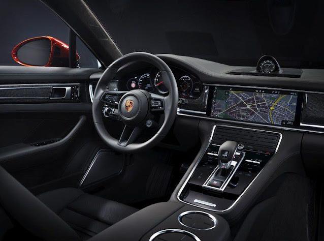 porsche-2021-panamera-turbo-s-steering-wheel