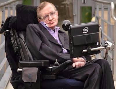 صورة لعالم الفيزياء النظرية ستيفن هوكينغ Stephen Hawking