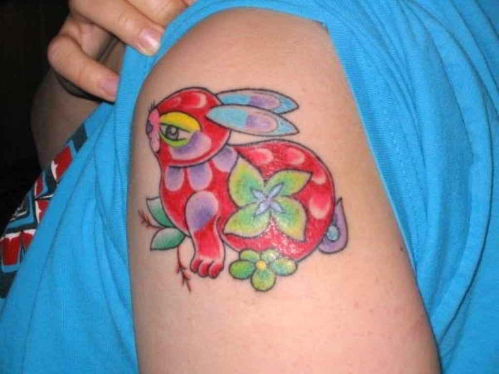 tatuaje de conejo ruso