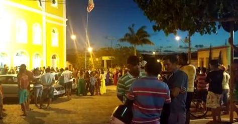 Testemunhas de casamento sofrem tentativa de homicídio dentro de igreja em Limoeiro de Anadia/AL