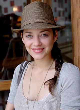 Foto de Marion Cotillard con sombrero