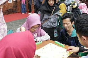 Diundang Jadi Juri English Scrabble Di Event English Festival Himpunan Mahasiswa Program Studi Bahasa Inggris UHAMKA