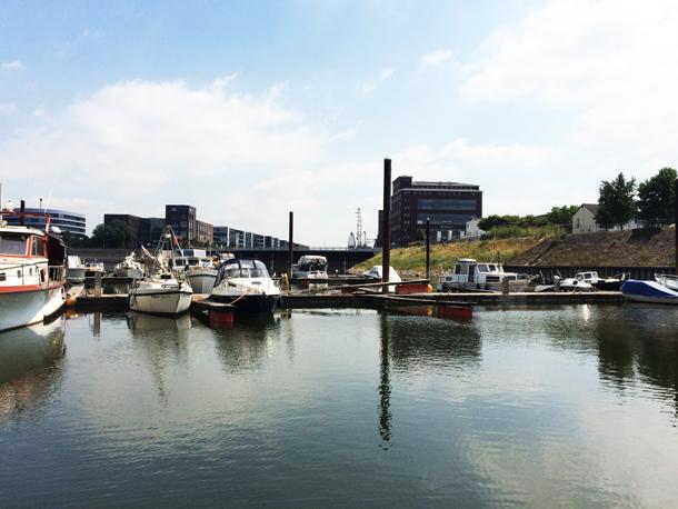 binedoro Blog, Motorboot, Wasserstraße, Boot fahren, Rhein, Kanal, NRW
