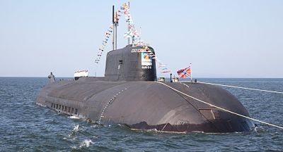 Rusia lanza un enorme Submarino Belgorod