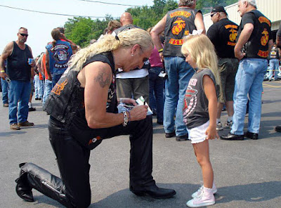 Too cool! This is Dee back in 1981 gearing up for the start of a bike ride stopping to sign an autograph for his cutest fan ever wearing a Twisted Sister t-shirt. Love this pic!