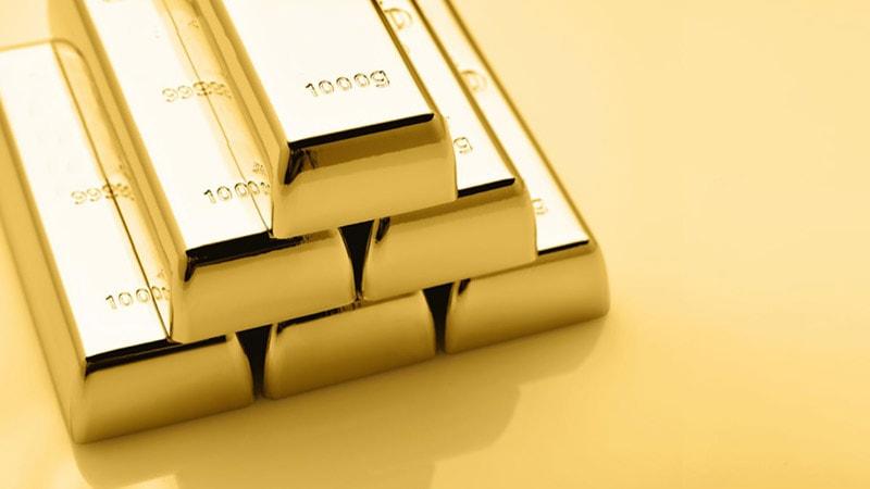 Золото укрепляется