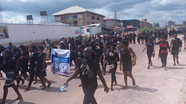 Photos from the black and black procession in honour of Mc Tonero