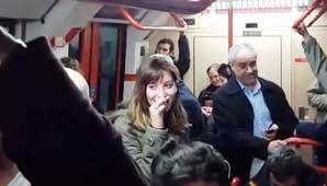 Entre los pasajeros se encontraba el Encargado de Trasmisión de Radio Nacional de Buenos Aires, quien registró todo y lo compartió en Twitter.