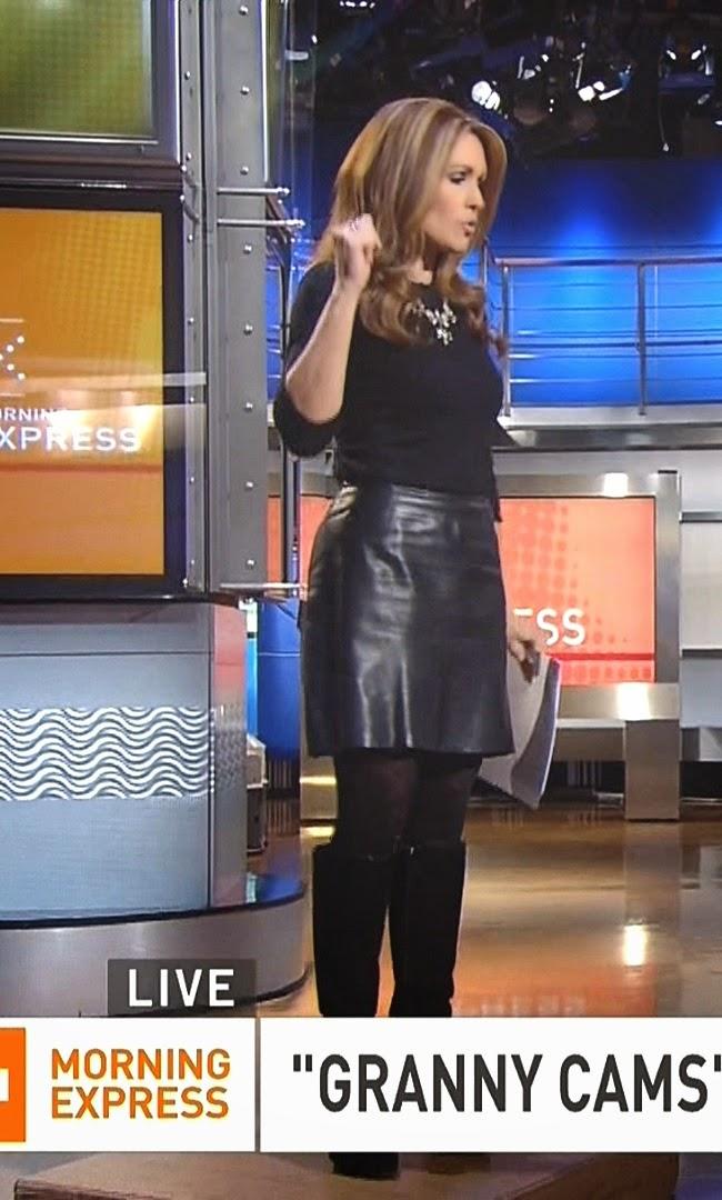 Kimberly guilfoyle wearing short skirt shooting baskets 1