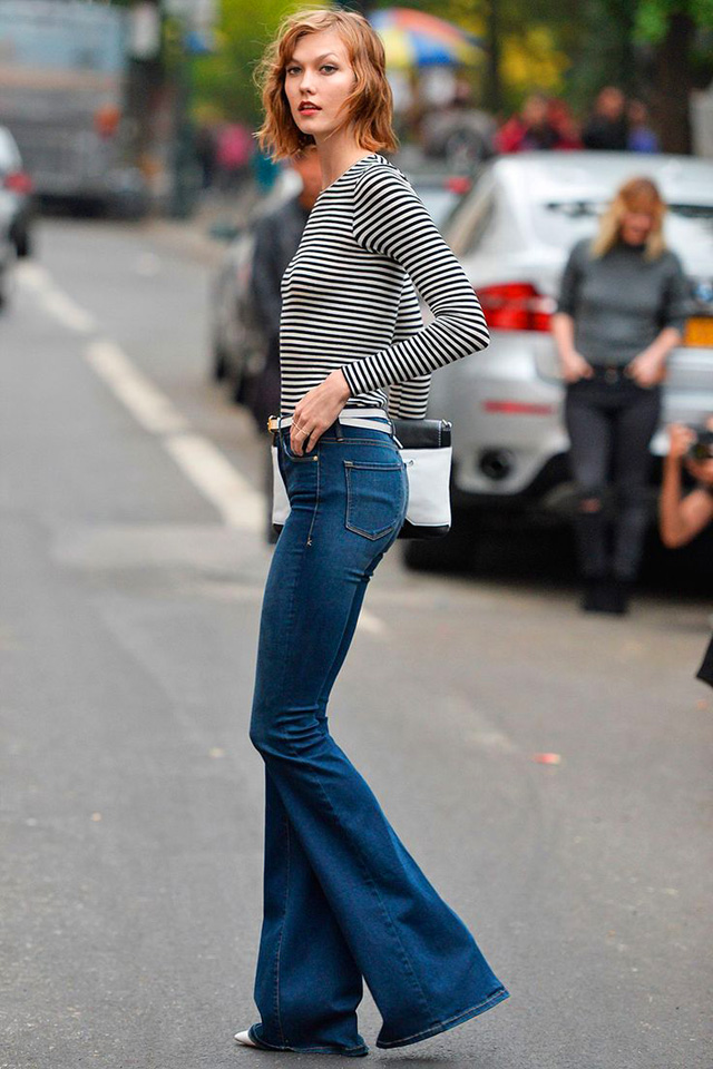 Karlie Kloss wearing flared jeans, people and styles, spring trend, street style, pinterest street style