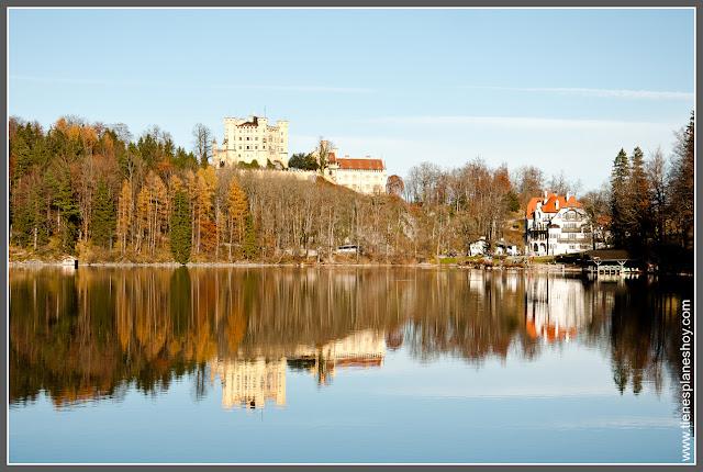 Lago Alpsee en Baviera (Alemania)