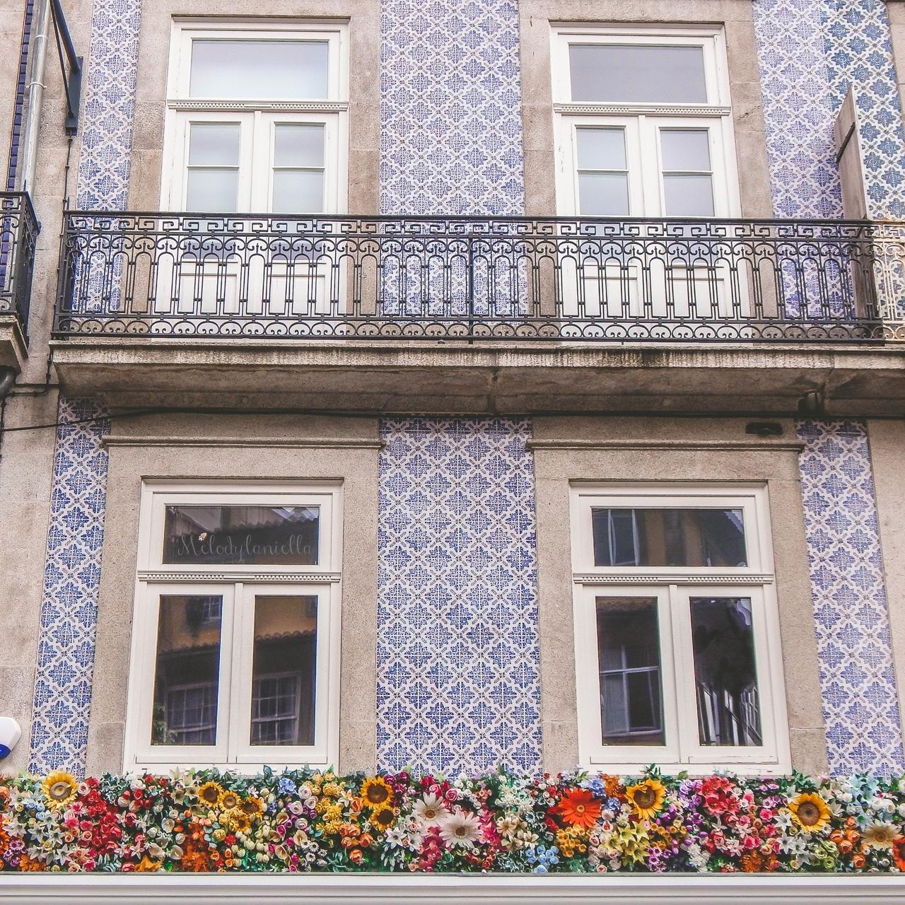 14a rua das flores-2  co zobaczyć w Porto w portugalii ciekawe miejsca musisz zobaczyć top miejsc w porto zabytki piękne uliczki miejsca godne zobaczenia blog podróżniczy portugalia melodylaniella