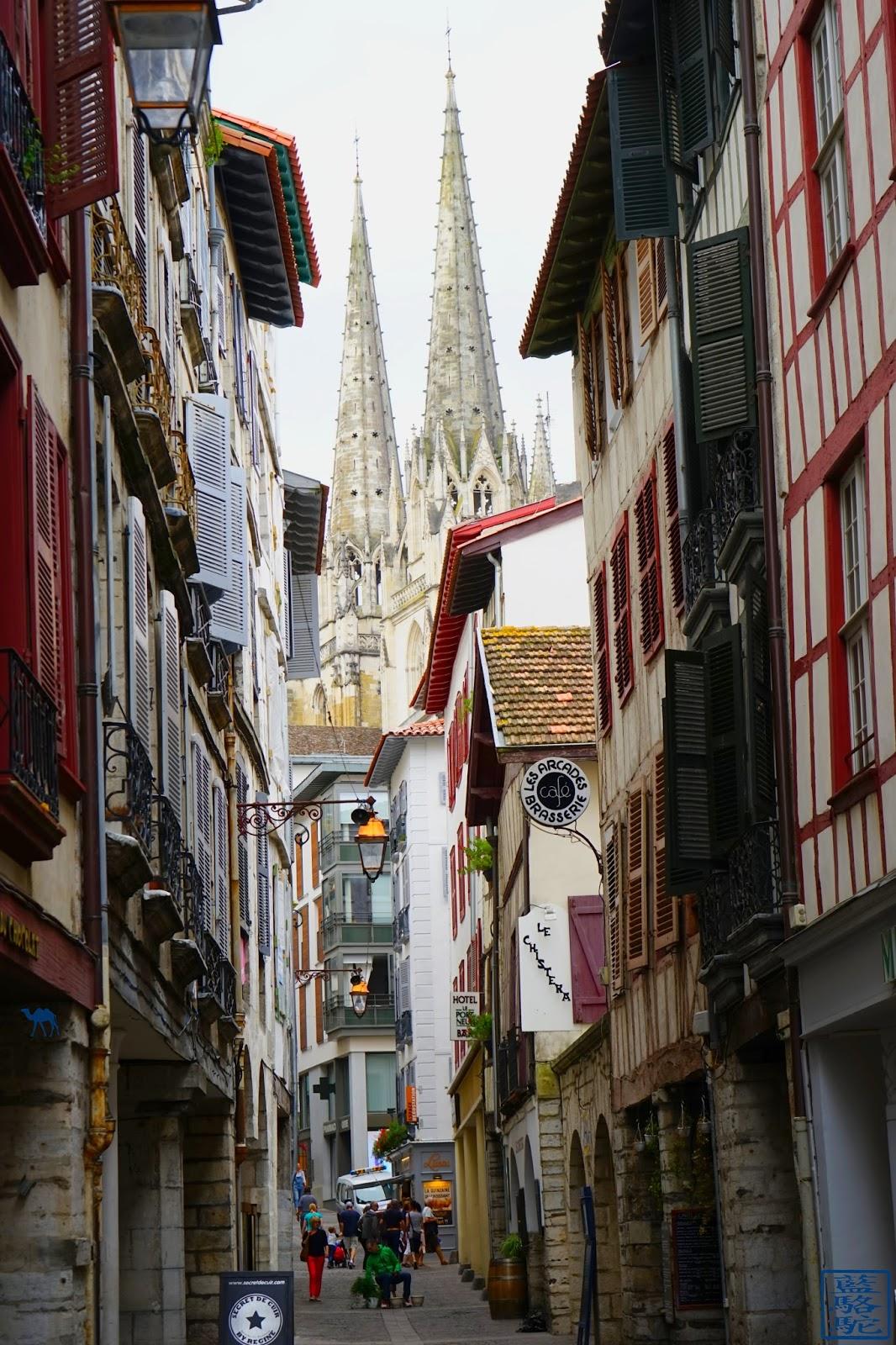Le Chameau Bleu - Ruelle de  Bayonne - Pays Basque