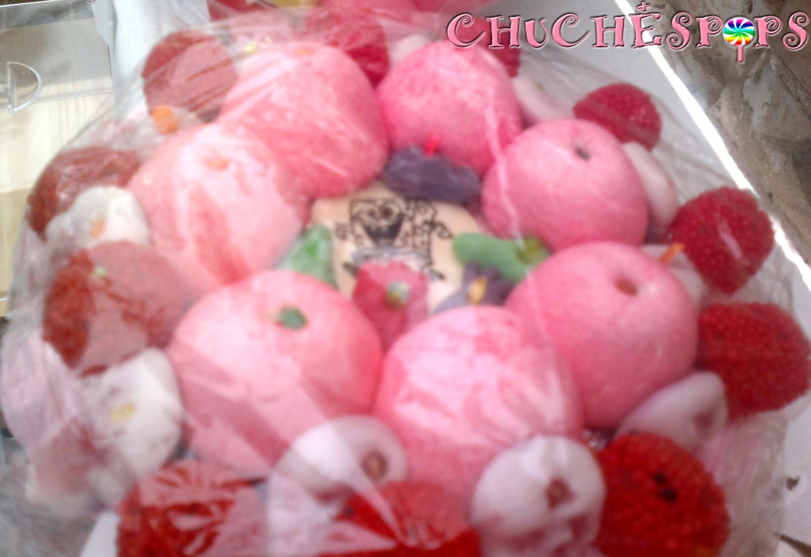 Tarta de Chuches pequeña :tonos rosa rojo y blanco