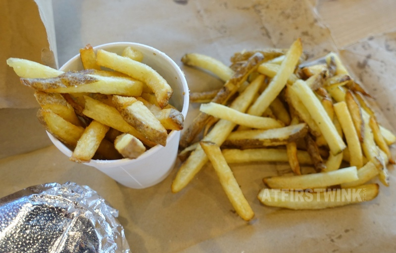 Utrecht Centraal Station Five Guys burger restaurant fries
