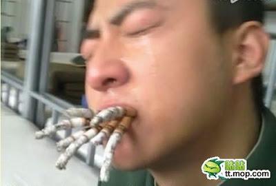 هكذا يجعلون الجنود فى الصين يقلعون عن التدخين