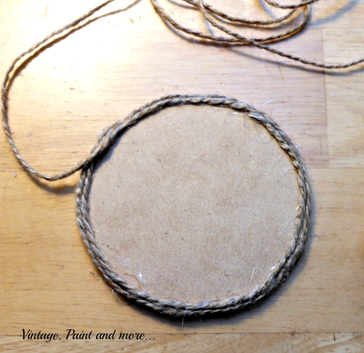 Vintage, Paint and more... wrapping twine for a nautical coaster