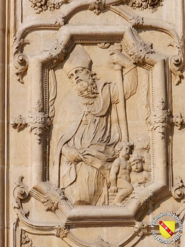 Saint-Nicolas (XVIIIe siècle) - Bas-relief de la façade de l'église Saint-Sébastien - Nancy (54)