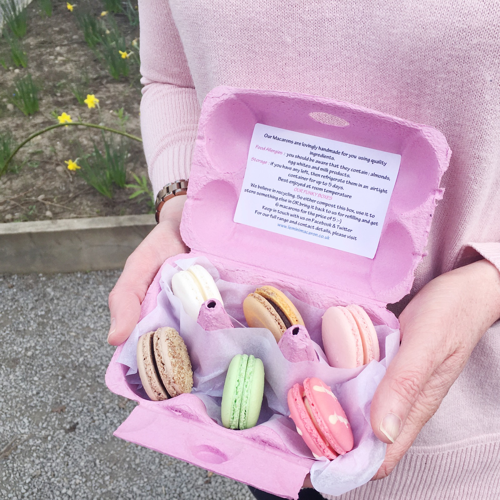 April Days - Le Petite Macaron