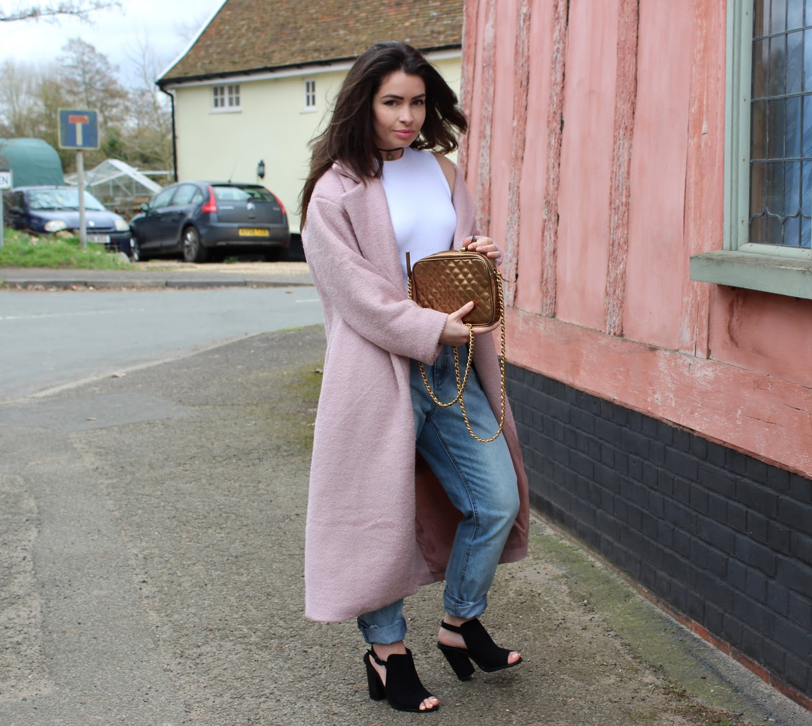 Mom Jeans & Long Coats: How To Style If You're Petite | Holly ...