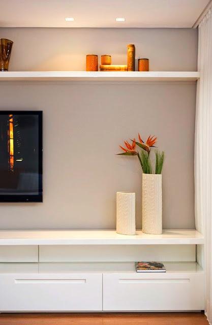 grey-wall-decor
