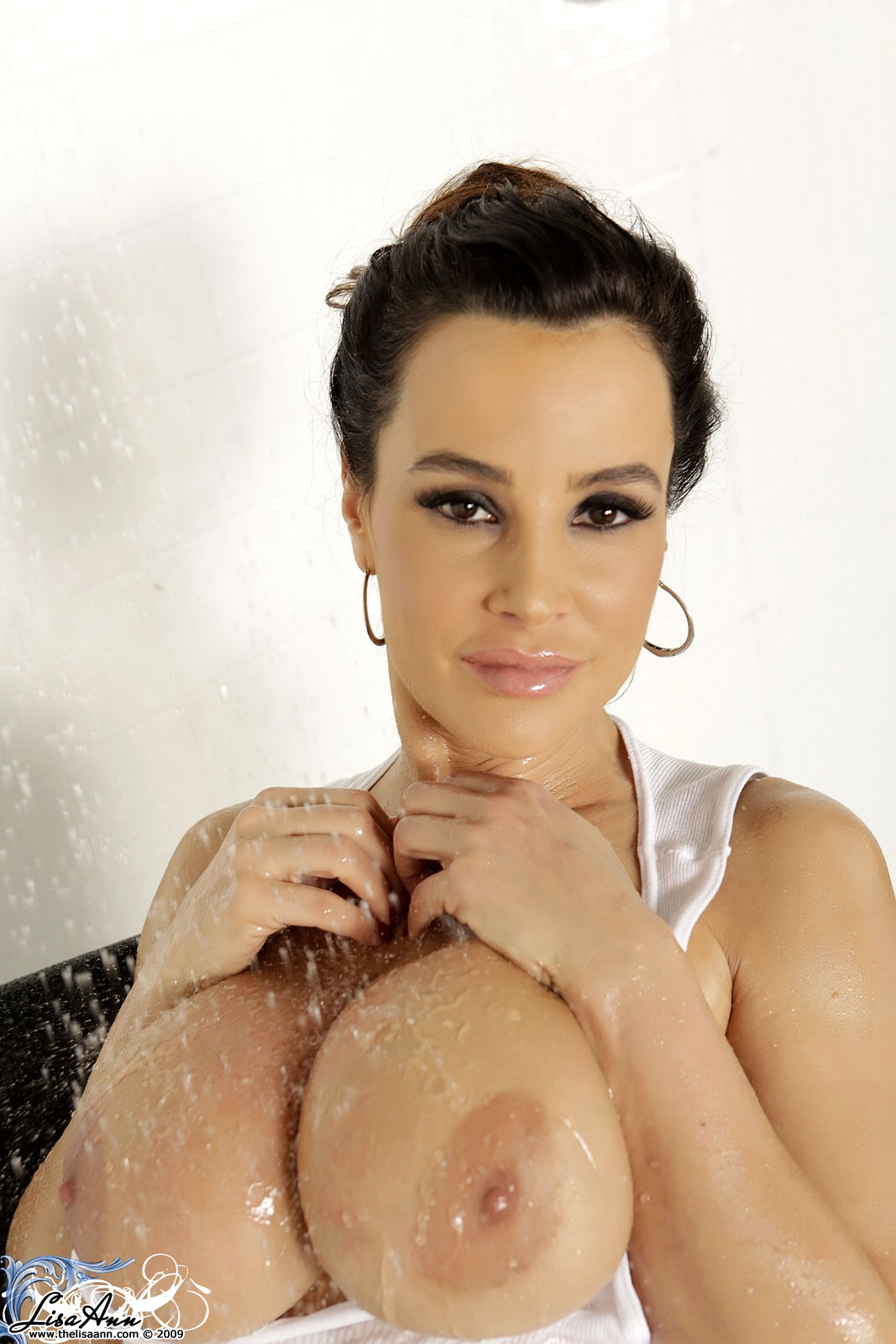 Lisa ann gets her pussy banged on a bike 9