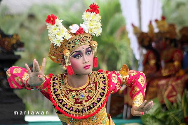 Budaya Bali - THE COLOUR OF INDONESIA