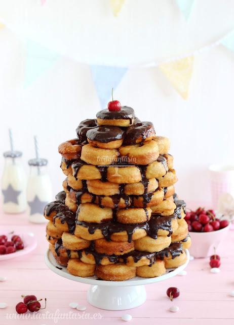Cómo hacer una tarta de donuts