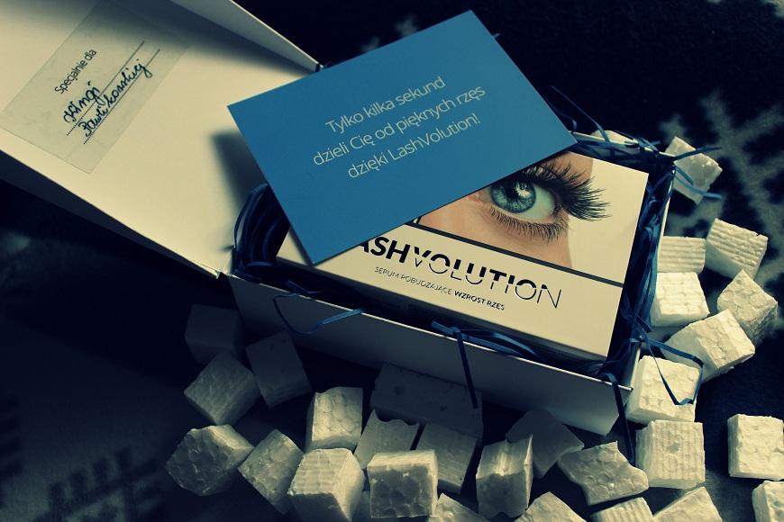❄ Serum pobudzające wzrost rzęs - LashVolution (pierwsze wrażenie)