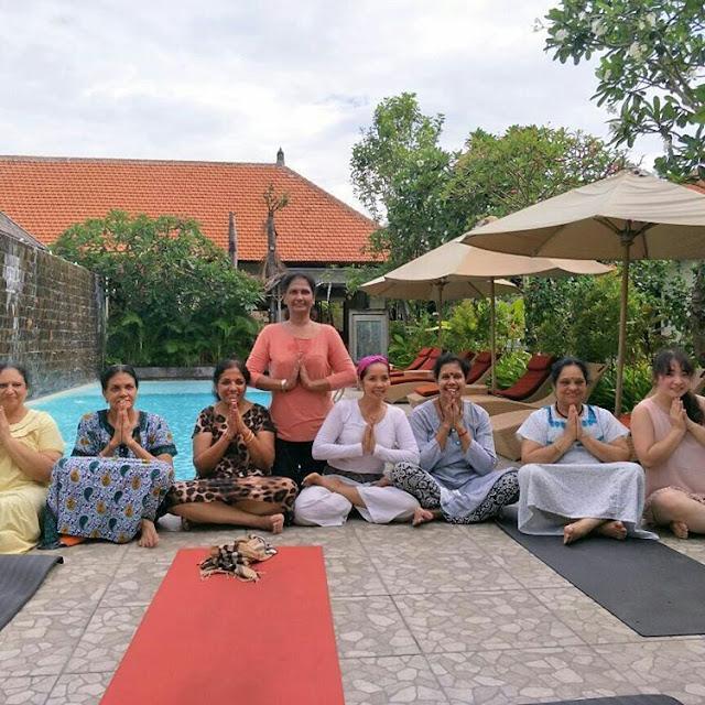 Yoga Bersama di Transera Grand