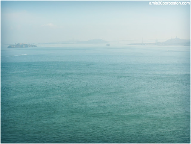 Vistas Isla de Alcatraz desde el Golden Gate Bridge
