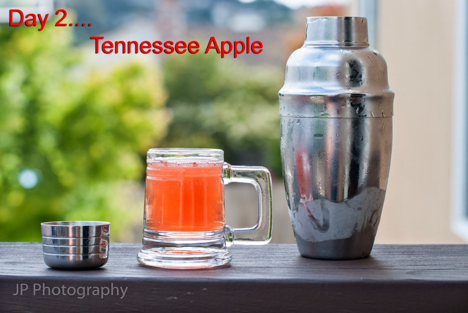 Tennessee Apple cocktail, fireball whisky, cinnamon whisky, sour apple schnapps, cranberry juice