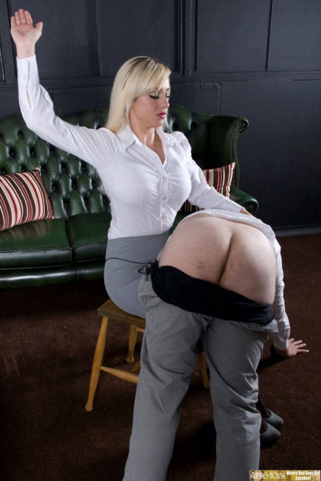 Strict aunt spank