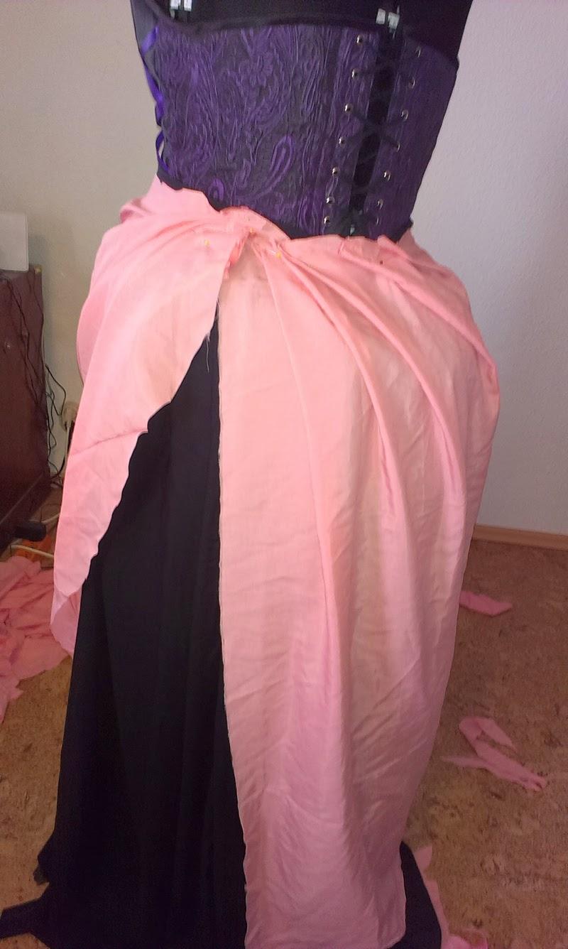 Melainas Näh- und Bastelstube: Brautkleid Purple: Röcke Röcke Röcke!