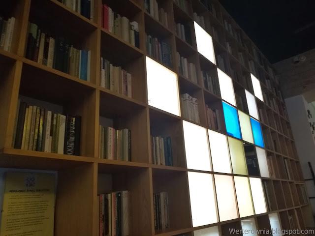 książki a kawiarnia