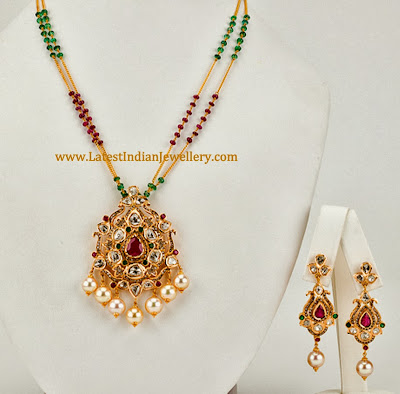 Designer Pendant Set With Uncut Diamonds In Pachi Work
