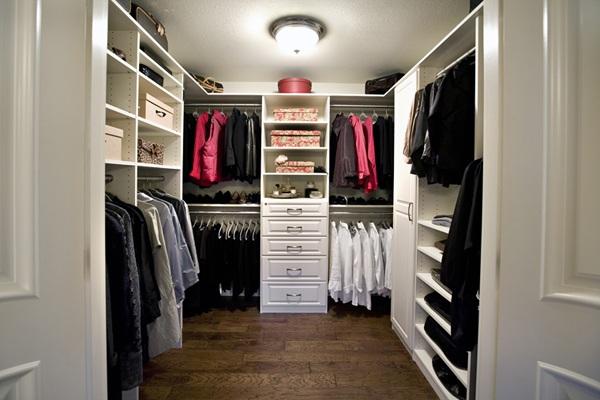33 ejemplos de closet o vestier impresionantemente grandes for Banos modernos con walking closet