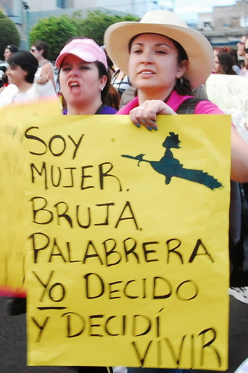 Feminismo indígena, comunitario, decolonial: feminismo latinoamericano.